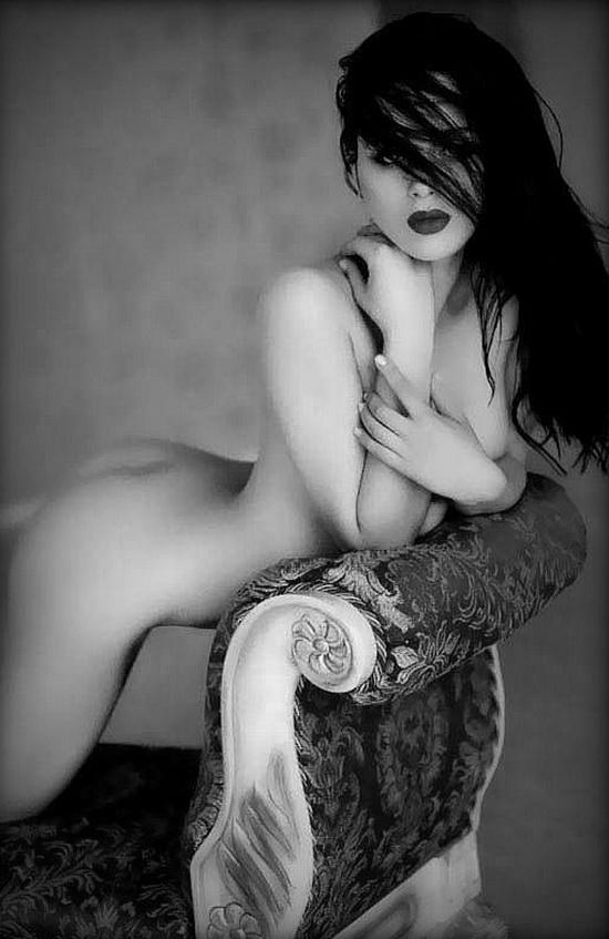 Blog des plus belles photos en noir et blanc de femmes sexy.Charme,sensualité,beauté féminine sont mis en oeuvre par le photographe et le modèl