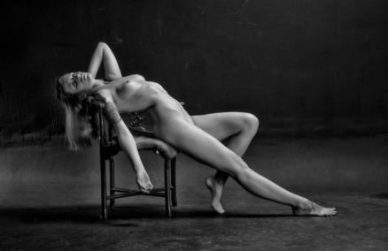 Blog des plus belles photos en noir et blanc de femmes sexy.Charme,sensualité,beauté féminine sont mis en oeuvre par le photographe et le modèle.